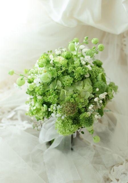 一会のお隣のドレスショップ、 1+1さんからのご依頼で 束ねた緑色のブーケです。 綱町三井倶楽部さまへ。  http://www.one-p...