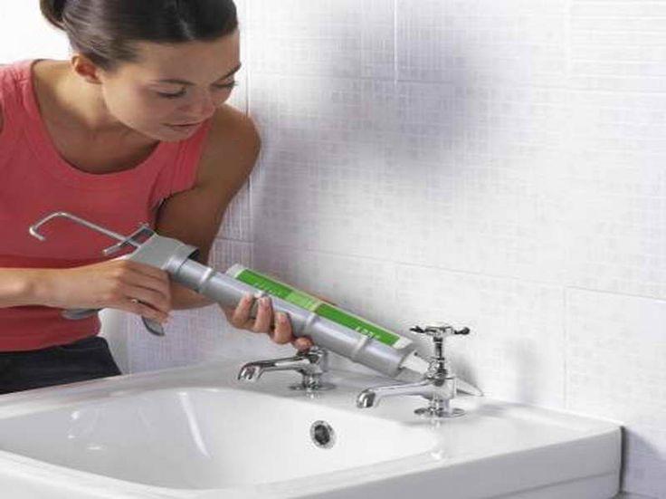 Les 25 meilleures ides de la catgorie Mold in bathroom sur
