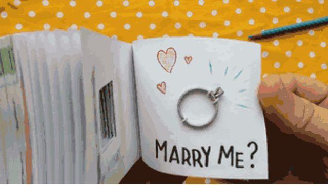 Los enternecedores libros animados para pedir matrimonio