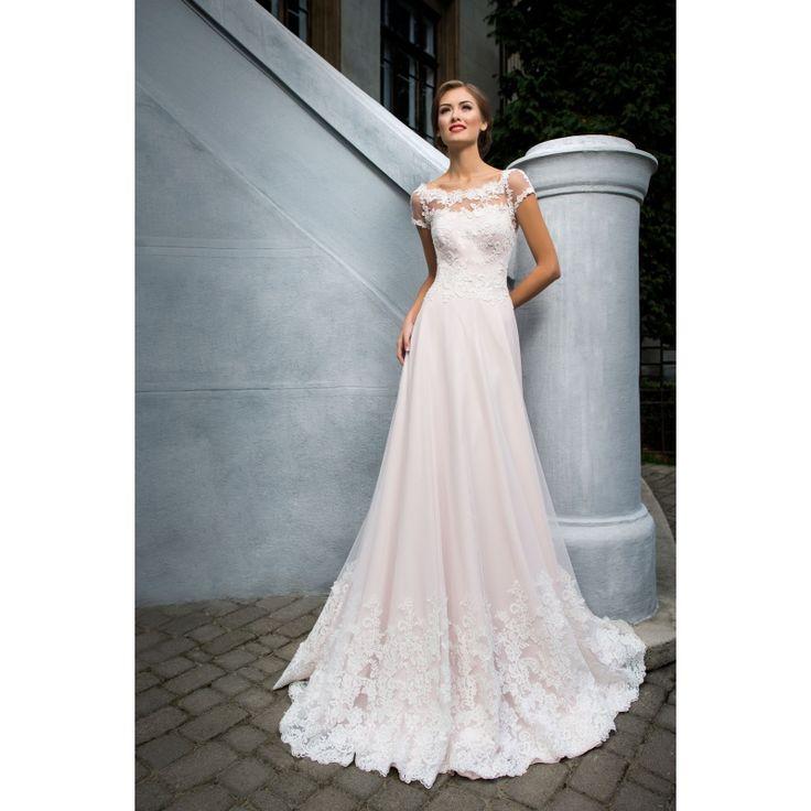 Luxusné dlhé svadobné šaty s nádychom ružovej farby s rukávmi s nášivkami