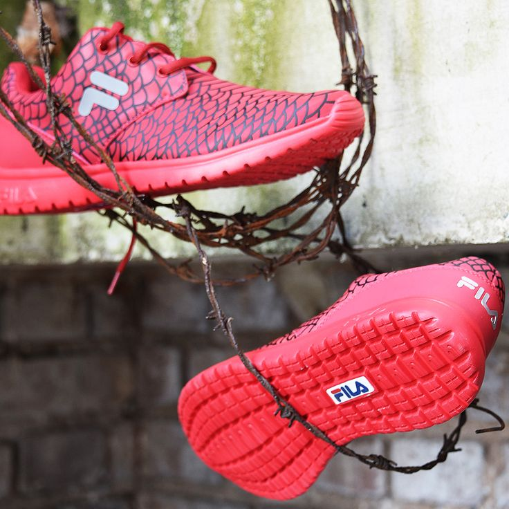 #Fila #Sneaker mit #Reptil Druck! #fashion #trend #lifestyle #shoes #deichmann #red #new  49,90 € (Artikel-Nr. 1799300)
