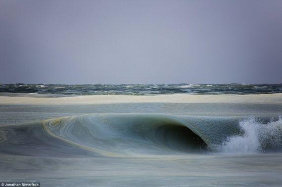 Πάγωσαν τα κύματα στη Μασαχουσέτη - frosen wave!!