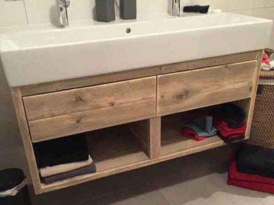 Steigerhouten badkamermeubel met twee laden. afgewerkt met Nano coating waardoor de originele kleur van het hout blijft behouden en het vocht en vuil afstotend is.