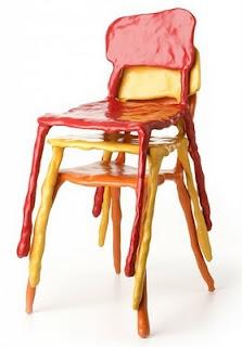 Mobiliário Contemporâneo Internacional Móvel: Clay Chairs Designer(s): Maarten Baas Características: Cores fortes; formas orgânicas; humor ou ironia.