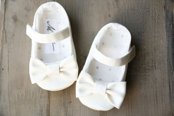 IVORY or WHITE baby girl shoes with bows by MartBabyAccessories, $23.95