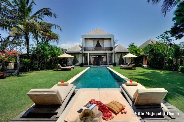 Majapahit Beach Villas - Villa Maya - Sanur Ketewel - Surrounding : Beachfront http://www.beyondvillas.com/villa-for-wedding/48/majapahit-beach-villas-maya