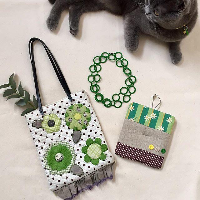 #グリーン#緑#green #handmade #ハンドメイド#手作り#bag#ネックレス#鍋つかみ#パッチワーク#patchwork #crochet#かぎ針編み#cat #愛猫#ブリティッシュショートヘア#britishshorthair #首輪のチャームも緑#緑が好き