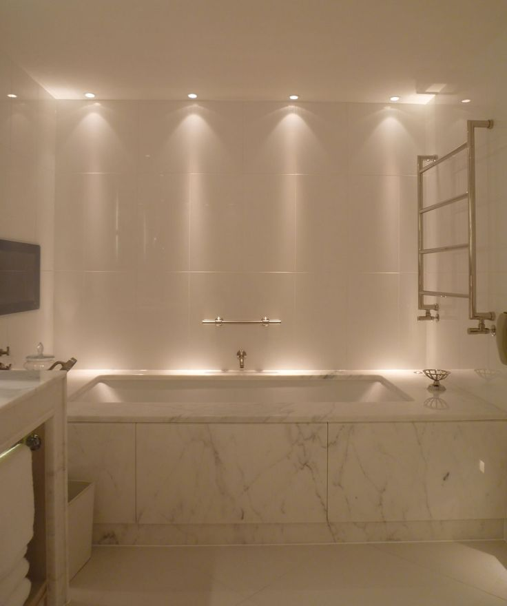 Best 25 bathroom lighting ideas on pinterest bathroom for Bathroom lighting designs