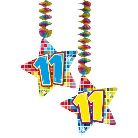 Hangdecoratie sterren 11 jaar. Hangdecoratie in de vorm van sterretjes met het getal 11. De decoratie is verpakt per 2 stuks en is ongeveer 13,3 x 16,5 cm groot.