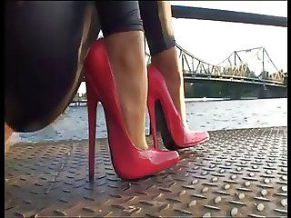 wow these are amazing.. wish I could find these is a 5.5 - Tamia s stilettos