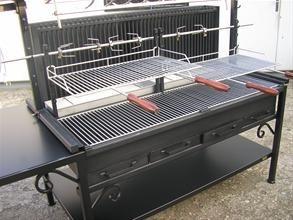 BARBECUE ET APPAREIL A MECHOUI de barbecue savy freres