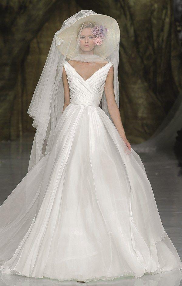 V-neck wedding dresses | You & Your Wedding--pronovias: Yesel