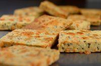 Crackers de Chia, Linhaça e Queijo Parmesão