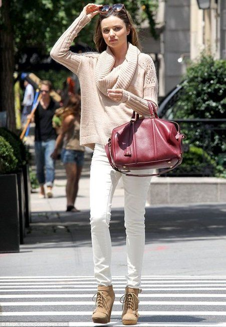 Miranda Kerr - white skinny jeans and chunky sweater