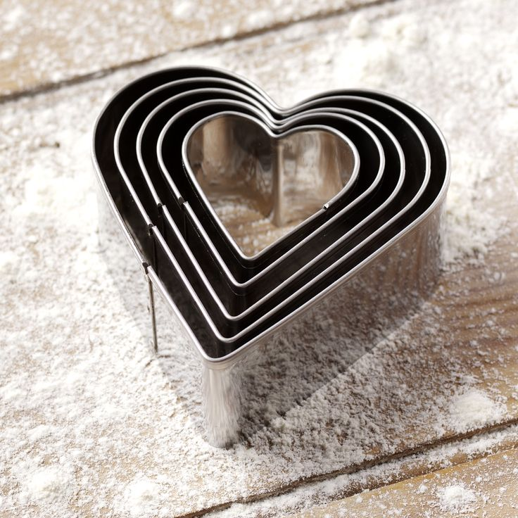 Heart Cookie Cutters, Bakeware, Baking Accessories from ProCook
