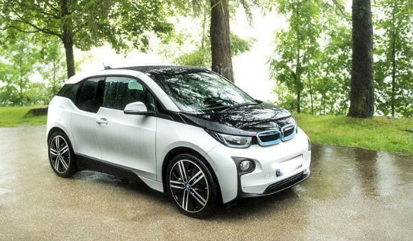 2018 BMW i3 is the featured model. The 2018 BMW I3 Exterior image is added in car pictures category by the author on Mar 6, 2017.