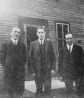 1927, August 21 – Arthur Goodenough, Lovecraft, and W. Paul Cook outside Goodenough's home in West Brattleboro, Vermont.
