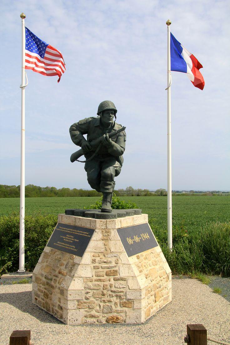 Richard ( Dick ) Winters ( 1918 - 2011 )  Amerikaanse officier bij Easy compagnie van het 506th Parachute Infantry Regiment ( PIR) 101st Airborn.