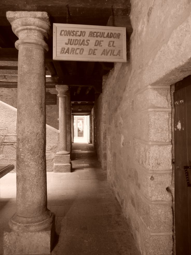 Cárcel. Un edificio de sólida construcción y  típicos elementos del siglo XVII , recientemente restaurado.Hoy tiene usos administrativos y culturales