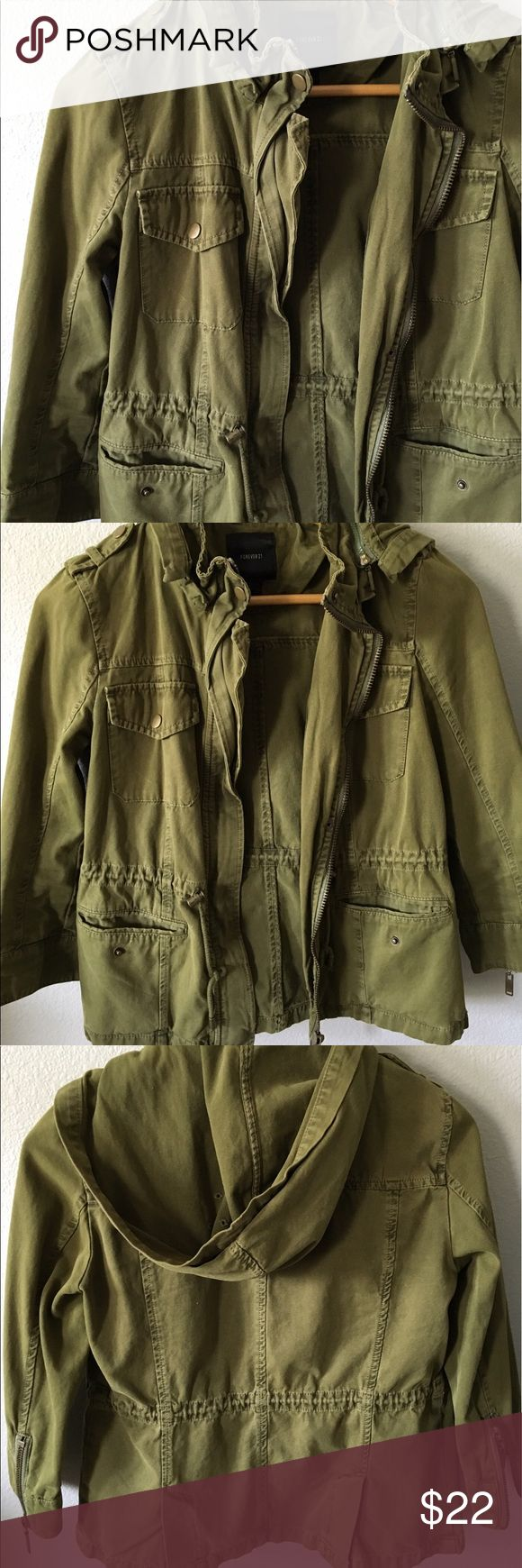 size S army green military jacket like new! size S army green military style jacket. sleeves are 3/4 length. it's pretty lightweight so mostly great for just fashion wear! Forever 21 Jackets & Coats Utility Jackets