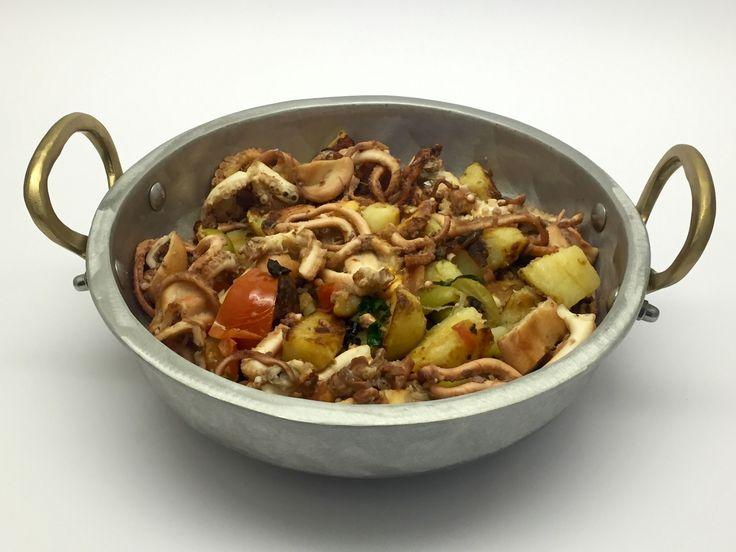 Ancora una ricetta dello chef Fabio Campoli: un delizioso polpo ripassato al marsala. Un polpo ripassato, quindi cotto due volte: una prima volta brasato con sale e aceto e una seconda in tegame co…