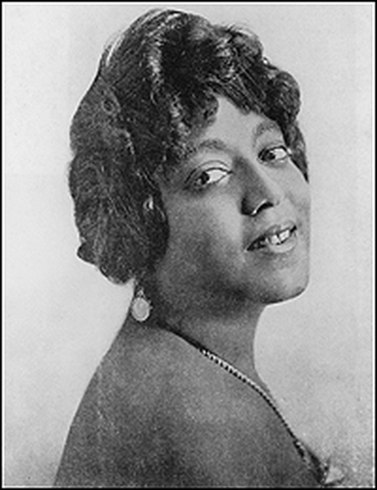 """MAMIE SMITH     Mamie Smith was the first black vocalist to record the blues. The song was """"Crazy Blues,"""" and it became a hit. But it happened almost by accident."""