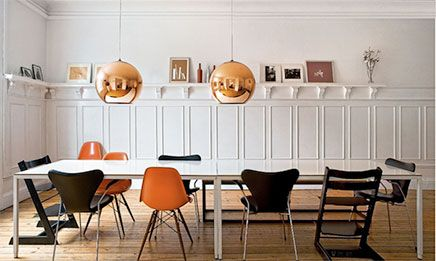 Koperen lampen + verschillende stoelen. Leuk of te druk?