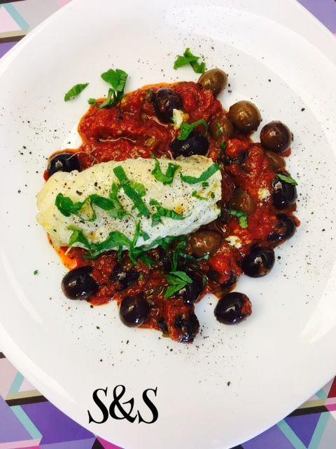 Rana pescatrice con salsa di olive e pomodori.gluten free