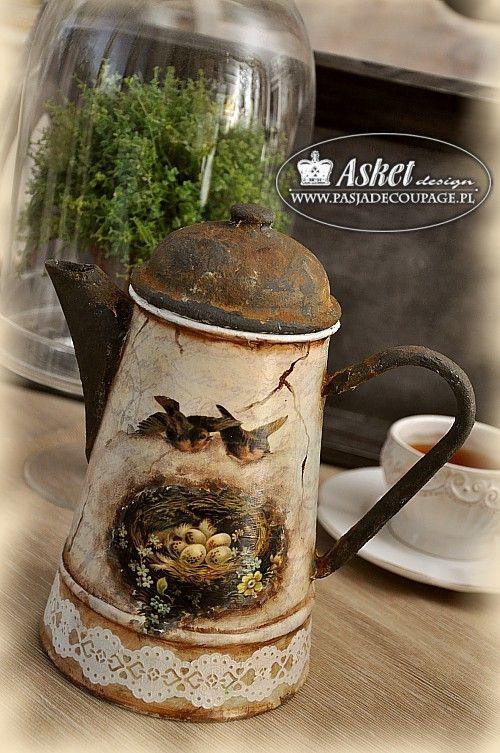 dekoracje postarzające w stylu Vintage - dzbanek czajnik
