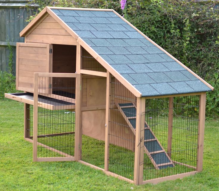 The Villa 7ft Extra Large Rabbit Hutch