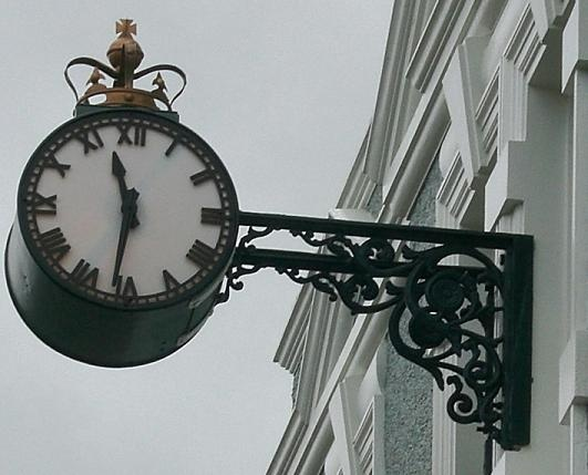 South Canterbury's Public Clocks       Geraldine's town clock is on the old Post Office, which was opened in 1908.