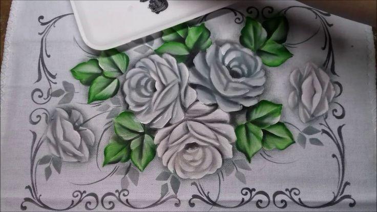 Pintura de rosas com stencil (brancas)