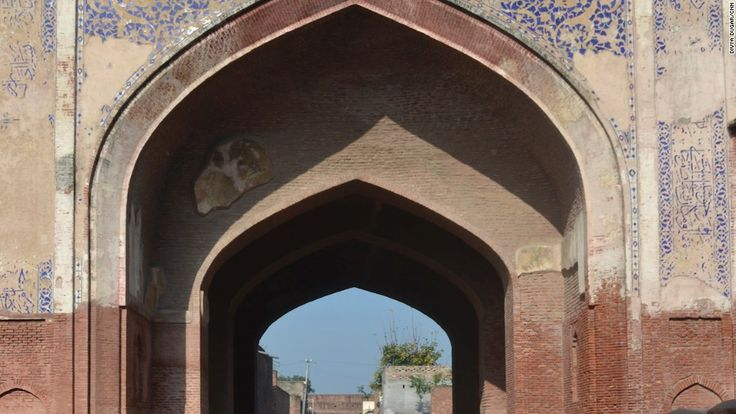 Sarai Amanat Khan is an elegant caravan sarai situated at 40 km from Amritsar which was said to be built by the calligrapher of Taj Mahal.  Sarai Amanat Khan has an ornamental Mughal gateway decorated with glazed tiles.