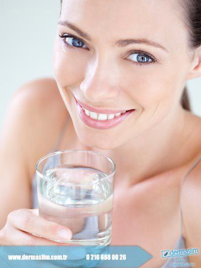 Herkese günaydın! Sıcaklıkların iyice arttığı şu günlerde su içmeyi unutmayın! #su #sağlıklıyaşam