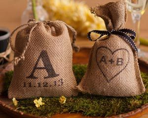 Personalized Rustic Favor Bags - then put Reese cups & Hershey kisses in them (Carey and mine's favorite!)