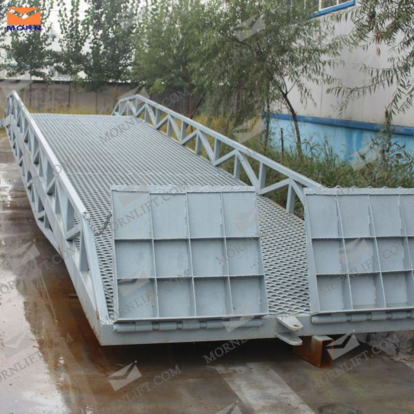 mobile dock ramp with 10 ton loading capacity,for more information please visit our website: http://www.sinolifter.com/dock-ramp/mobile-dock-ramp.html My email:mh@sinicmech.com
