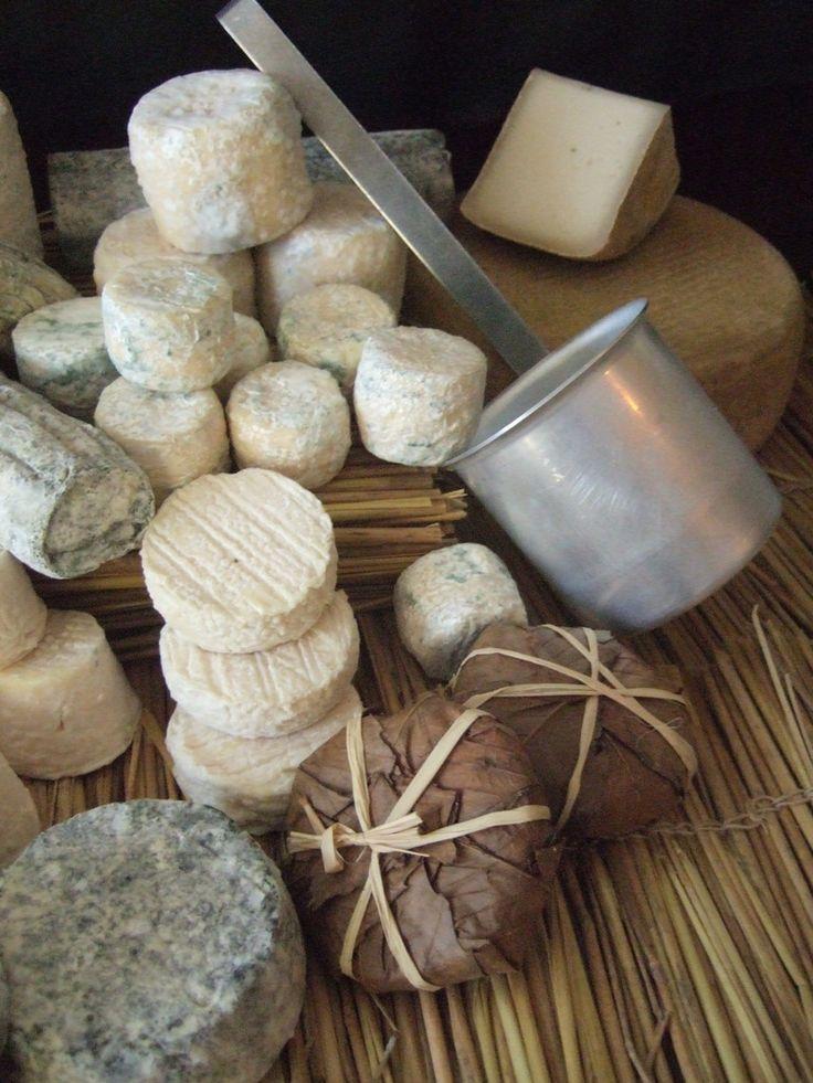 Les 25 meilleures id es de la cat gorie plateau fromage sur pinterest plateaux fromages - Combien de fromage par personne ...