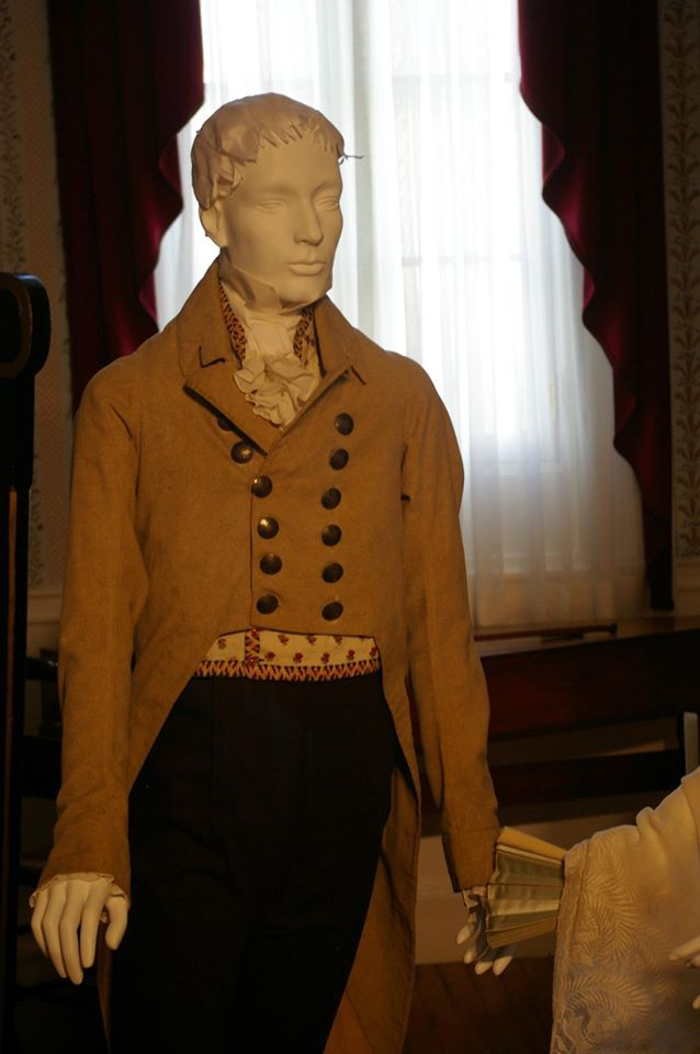 """DAR Museum exhibit """"An Agreeable Tyrant"""" agreeabletyrant.dar.org a c. 1805 """"drab"""" (Mottled gray and off-white wool) high-waisted coat possibly belonging to Charles Carroll of MD; printed cotton waistcoat; reproduction pantaloons."""