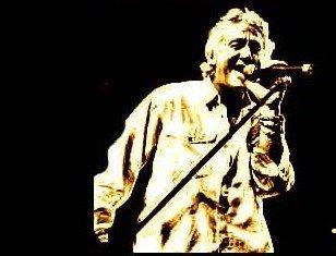 Robert Hart: El 'invitado especial' en los conciertos de la banda FM en España