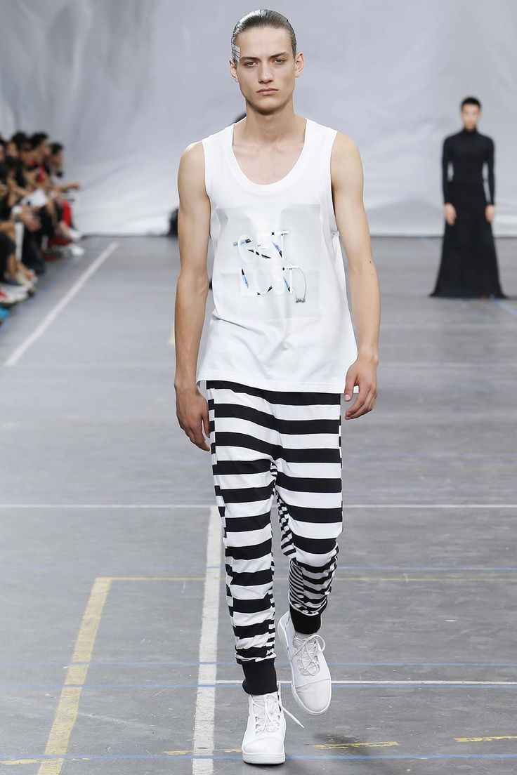 See the Y-3 spring/summer 2016 menswear collection. Click through for full gallery
