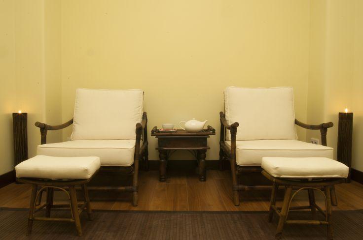 Ideais para relaxar e desfrutar do ritual do chá, encontre duas zonas de relaxamento com luz natural.