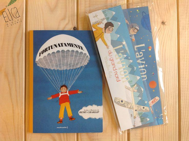 """""""Fortunatamente"""", scritto e illustrato da Remy Charplin, Orecchio Acerbo  """"L'avion du grand nord"""" e """"L'avion de l'espace"""", giochi in legno Moulin Roty  Libri per bambini. Giocattoli in legno. Aeroplani per bambini."""