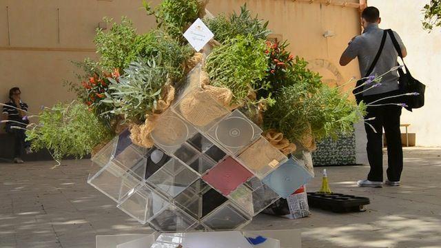 """""""To Be BIO's cube"""" di Gabriella Panarello e Simona Nicolosi: verde, creatività e re-design per trasformare vecchie custodie di cd in contenitore eco-friendly!"""