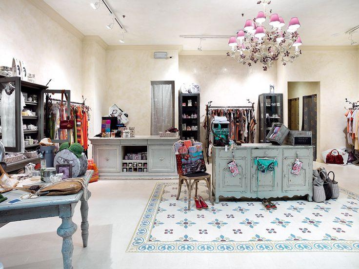 Pavimento tradizionale in graniglia di marmo. www.mipaesign.it