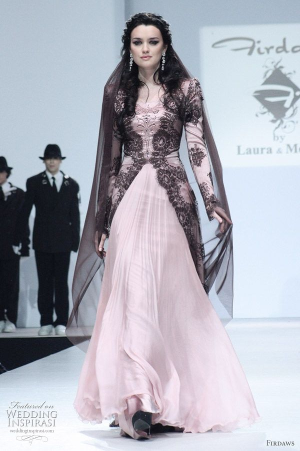 Long sleeves wedding dress. A pink and black kebaya.