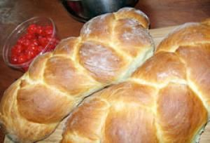 10 Braided Breads Recipes Perfect for Beginners: Braided Valentine Bread