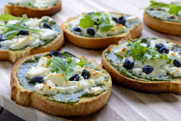 Recept Minipizza met spinazie feta crème - Brood.net