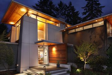 The house is a contemporary expression of Northwest Regionalism accommodating serious weather conditions and aesthetic considerations for massing, light and presence.