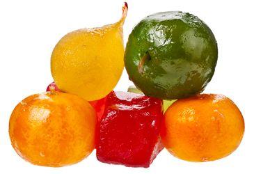 Savez-vous confectionner les fruits confits ? On vous explique tout dans cet article, de la réalisation à la petite histoire. Cette sucrerie n'aura plus de secret pour vous.