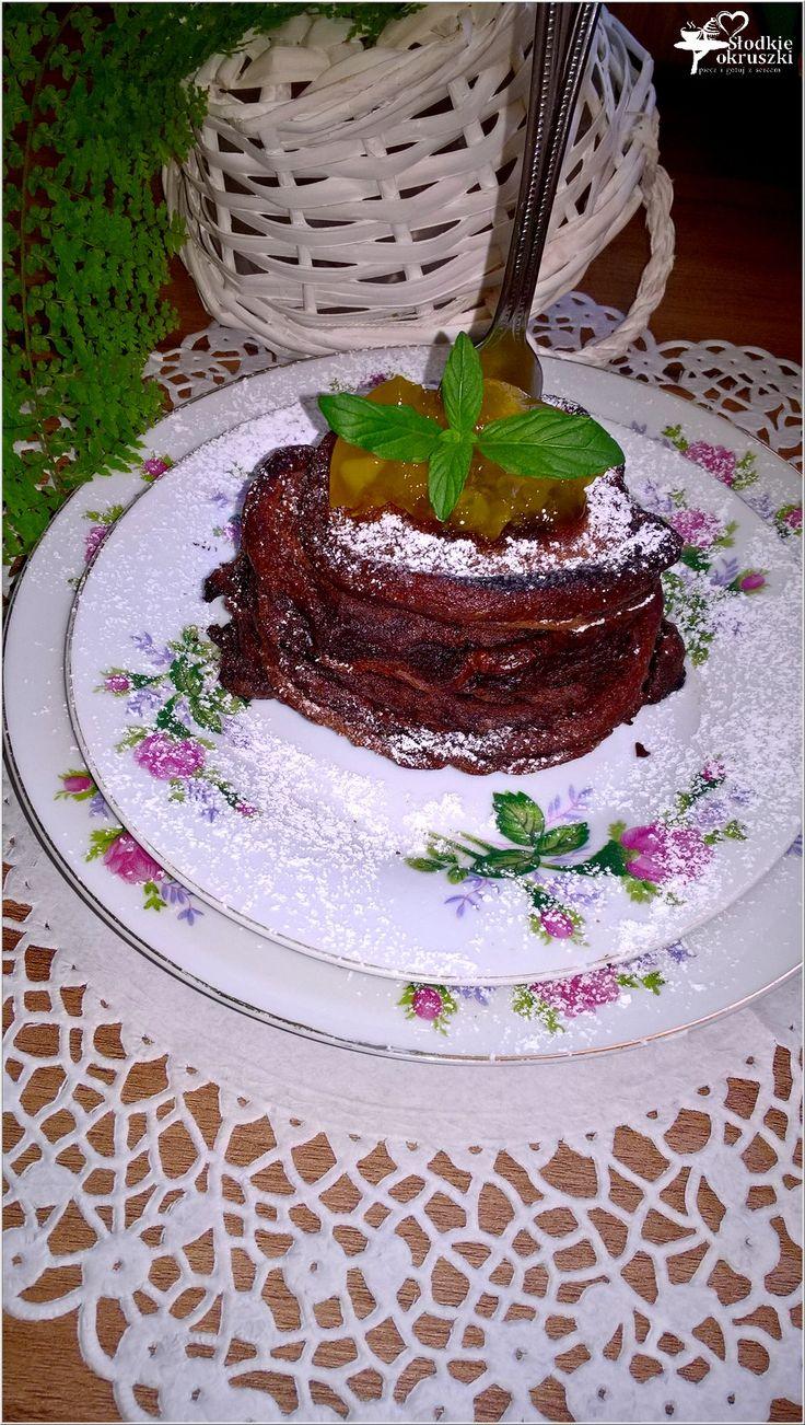 Szybkie czekoladowe placuszki z dżemem